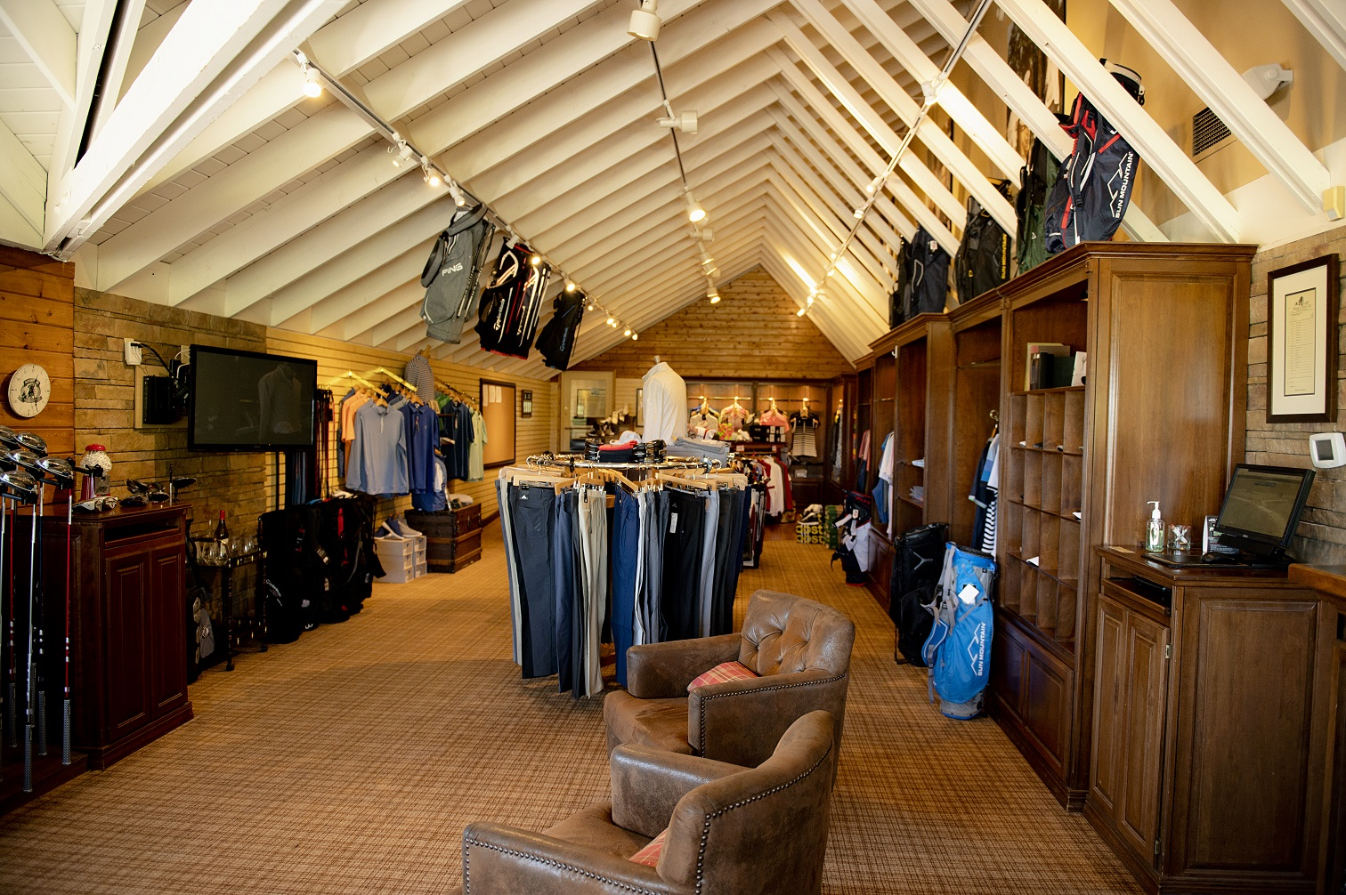 Interior shot of the pro shop at Nakoma Golf Club